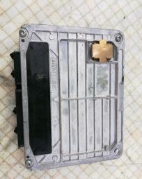 Блок управления двигателем VW Passat B5 1.6 3B0907557D. 3B0907557D.