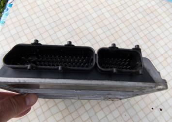 Блок управления двигателем Audi Passat (B5) 1.8