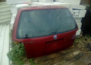 Дверь багажника со стеклом для VW Passat (B5)