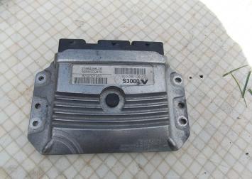 Блок управления двигателем Renault Megane II 1.6 L.8200387138