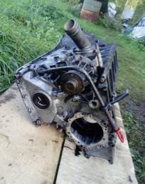 Блок двигателя Mercedes Bens W210 M604 2.2 CDI