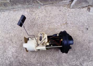 Насос топливный электрич. Peugeot 605 3.0 L 0580453024