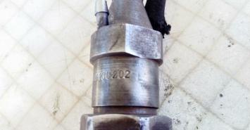 Форсунка дизельная механ. VW Transporter T4 2.4 D 068130202
