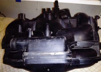 Коллектор впускной с рейкой Ford Focus I 2.0 Zetec WS4E-9424-HC