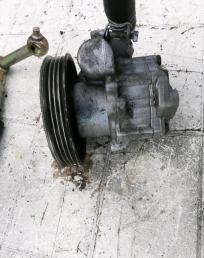 Насос гидроусилителя Nissan Primera P10E 2.0