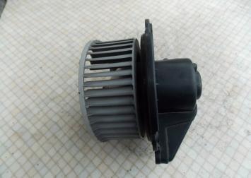 Моторчик отопителя Opel Frantera B 725-0690
