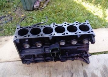 Блок двигателя BMW E34 2.5 L. Dizel M 51
