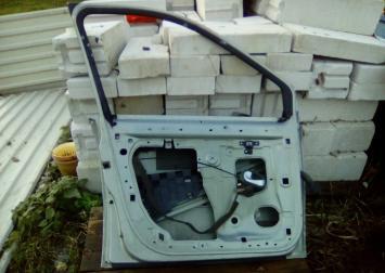 Дверь передняя левая для Renault Scenic 2003-2009