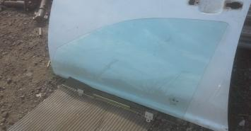 Стекло переднее левое Geely MK Cross 2011