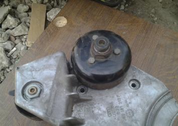 Крышка двигателя 2.5 TDI AKE