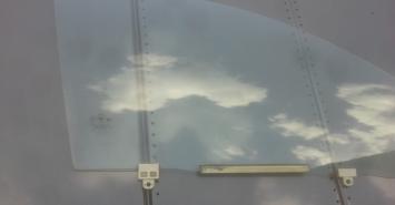 Стекло переднее правое Geely MK Cross 2011