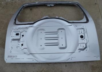 Митсубиси Паджеро 4 крышка багажника