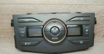 Блок управления климатом Toyota Corolla 150