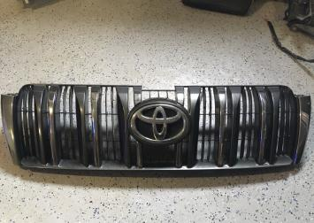 Решетка радиатора Тойота Прадо 150