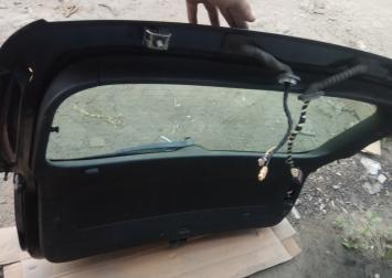 Дверь багажника со стеклом Tiguan