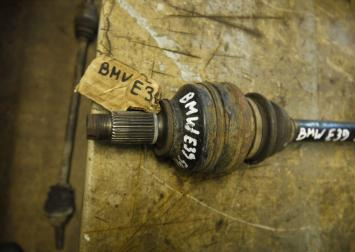 Привод bmw e39 540 задний
