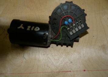 Моторчик стеклоочистителя передний мерседес W210