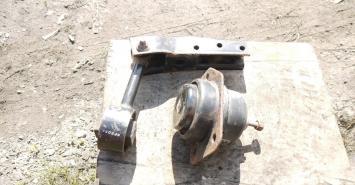 Опора Подушка Chevrolet Chrysler Dodge 96852452