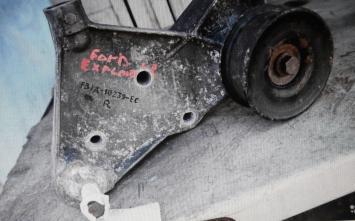 Суппорт передний Ford Explorer F37A10239EC