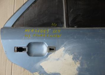 Дверь задняя правая Мерседес 124