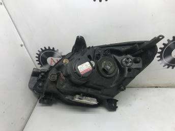 Блок фара правая Mazda Demio