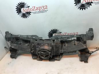 Кронштейн решетки радиатора Mazda 3 BL BCW8507M1