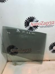 Стекло боковое правое Mazda 3 BL