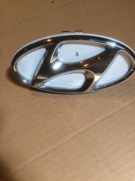 Эмблема значек производителя Hyundai i30  87311-A6000