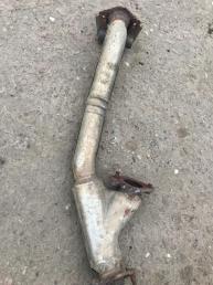 Приемную трубу глушителя Mazda MPV