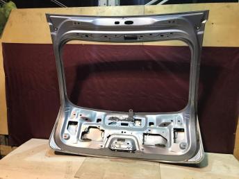 Крышка багажника Ford Focus 2