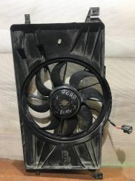 Диффузор вентилятора Ford Focus 3 8V61-8C607-F