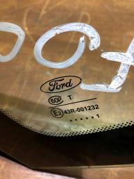 Форточка заднего левого крыла Ford Focus 2