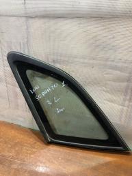 Форточка заднего левого крыла Kia Sorento 1