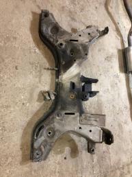 Подрамник двигателя Kia Picanto
