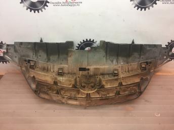 Решетка радиатора Mazda MPV  LE4650712
