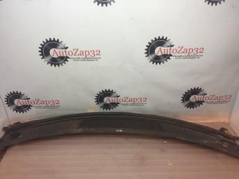 Водосток лобового стекла (жабо) Mazda MPV   LC6250790