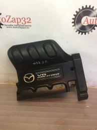 Накладка двигателя декоративная Mazda MPV   YL8E8A590EB