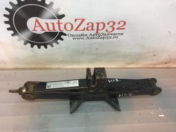 Домкрат Mazda MPV