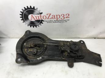 Крепление запасного колеса Mazda MPV