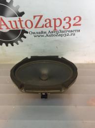 Динамик передняя правая двери Mazda MPV   LC6266960A