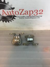 Петля правой двери Mazda MPV