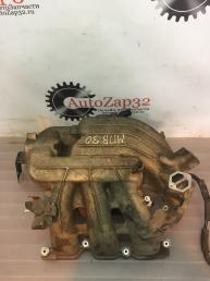 Впускной коллектор Mazda MPV  3,0  2M2E-9424-AG