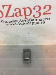 Кнопка стеклоподъемника задняя Mazda MPV  LC626638072