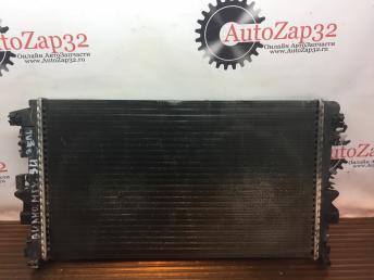 Радиатор охлаждения Mercedes W639 Vito Viano  А6395010401 А6395010401