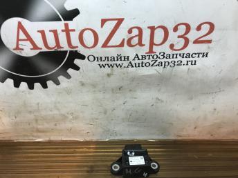 Датчик ускорения Mazda MPV GJ6E-43-7Y1