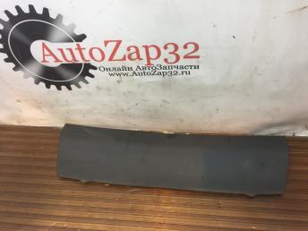 Крышка салонного фильтра Mercedes W639 Vito Viano A6398300145