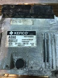 Блок управления двигателем Kia Rio 3 39128-2B772