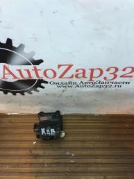 Моторчик заслонки печки Mazda MPV 063700-8040