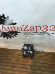 Моторчик заслонки печки Mazda MPV   063800-0460