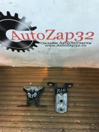 Петля двери передней правый Kia Rio 3